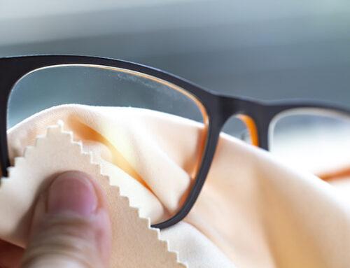 Komfortable Brillenreinigung mit dem Eyeshaker